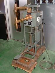 スポット溶接機の写真1